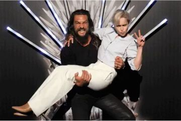 "Jason Momoa Reunites With ""Moon of His Life"" Emilia Clarke and the Rest of His GOT Family"