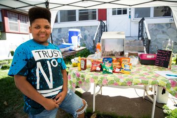 Boy reported for operating hot dog stand gets help from city