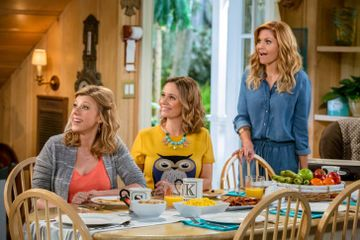 Ready to Reunite With the Tanners? Here's What's in Store For Fuller House Season 4