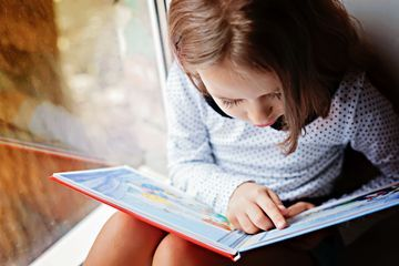 New study shows grade school girls read better than boys