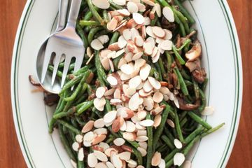 A Showstopping, Supersavory Take on Green Bean Casserole