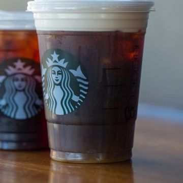Starbucks promises to go straw-free by 2020