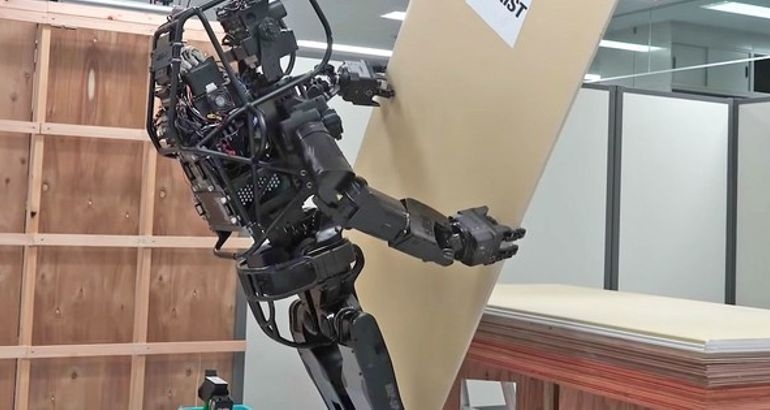 Japanese robot hangs drywall like a pro